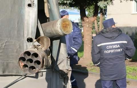 На военном складе в Калиновке до сих пор взрываются одиночные боеприпасы