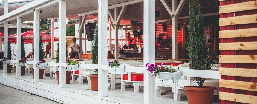 Суд постановил снести огромный торгово-развлекательный комплекс на пляже в Коблево