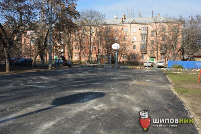 Неблагоприятные условия и слабо укатанный асфальт, – директор «Николаевавтодора» оценил ремонт спортплощадки