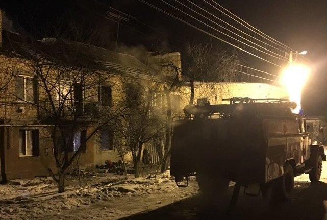 Один человек погиб, еще двое госпитализированы в результате взрыва в жилом доме на Киевщине