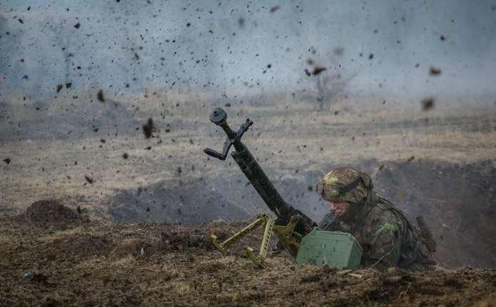Сутки в АТО: 11 обстрелов, один военный погиб, двое ранены
