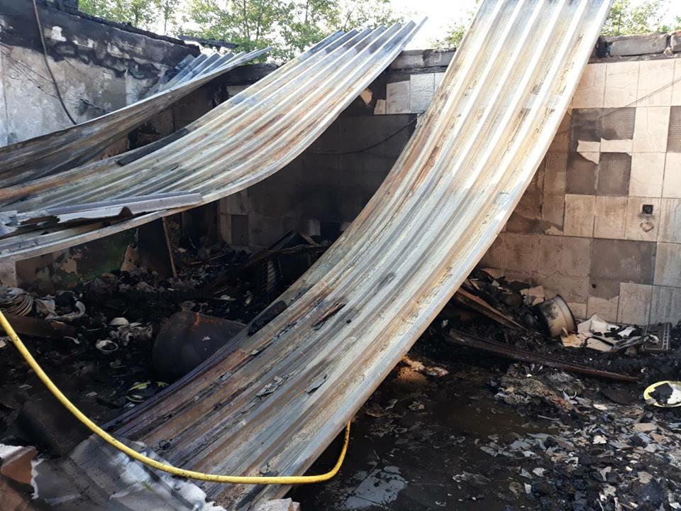 На Кинбурнской косе сгорела база отдыха, принадлежащая депутату горсовета Дюмину