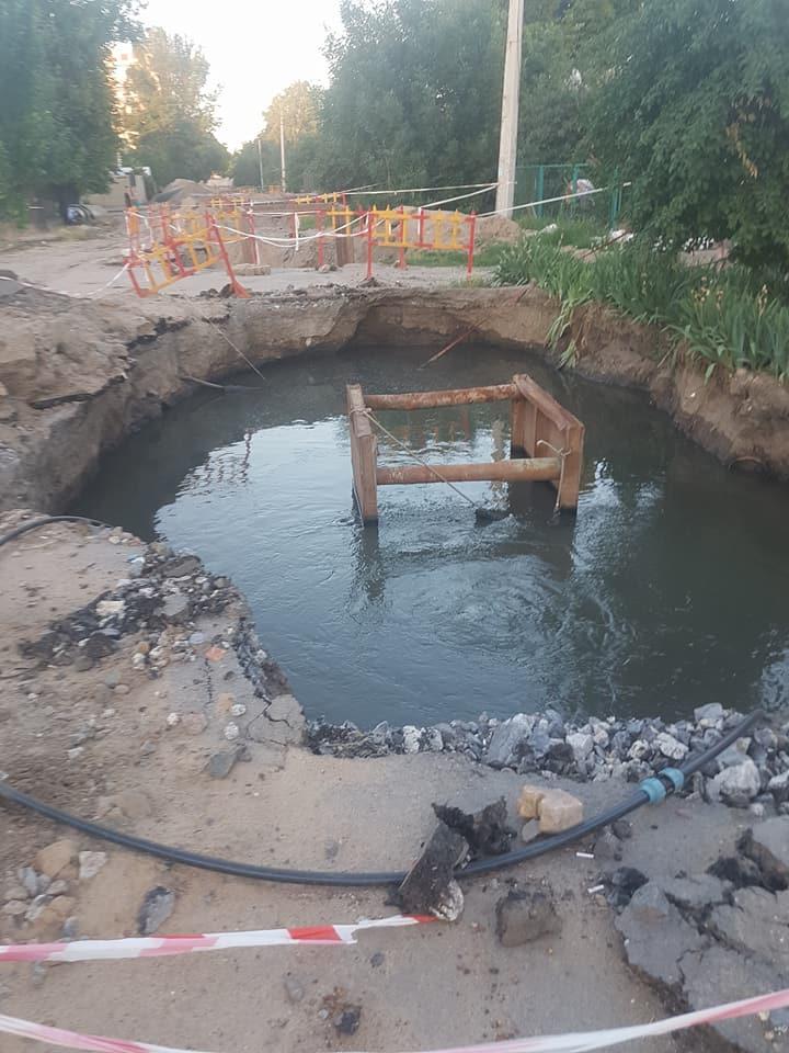 В Николаеве до сих пор не приступили к ремонту канализации на Лескова