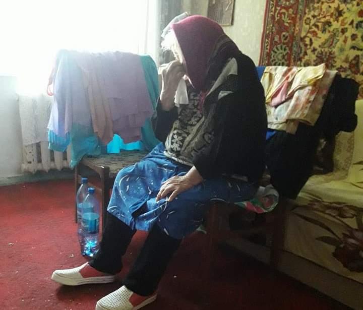 Квартира одинокой старушки, которая живет в нечеловеческих условиях, переписана на сына известного в Николаеве главврача