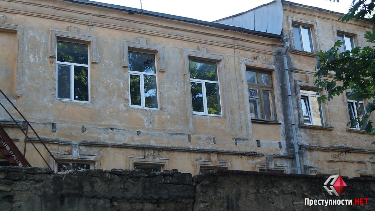 Жительница Николаева пожаловалась, что на ремонт ее дома отказались выделять деньги