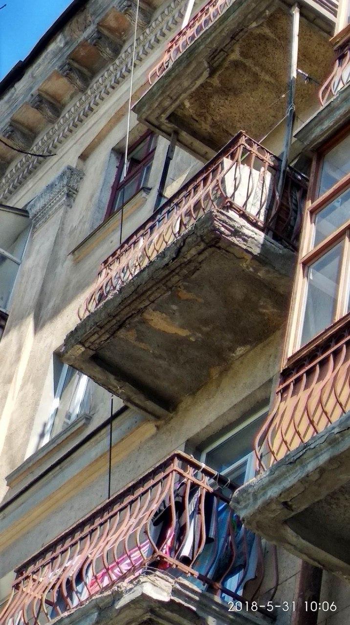 Департамент ЖКХ не интересуют аварийные балконы