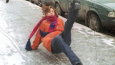 Цуканов согласился с критикой по уборке тротуаров от снега и льда