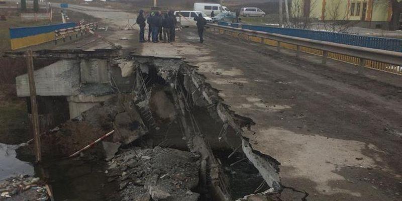 В Тернопольской области обрушился мост через реку Серет