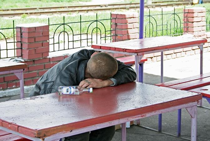 В Николаеве растет количество «наливаек»: они появляются даже возле школ