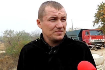 Житель Николаевщины, на арендованных землях которого устроили песчаный карьер, просит помощи у главы ОГА Стадника