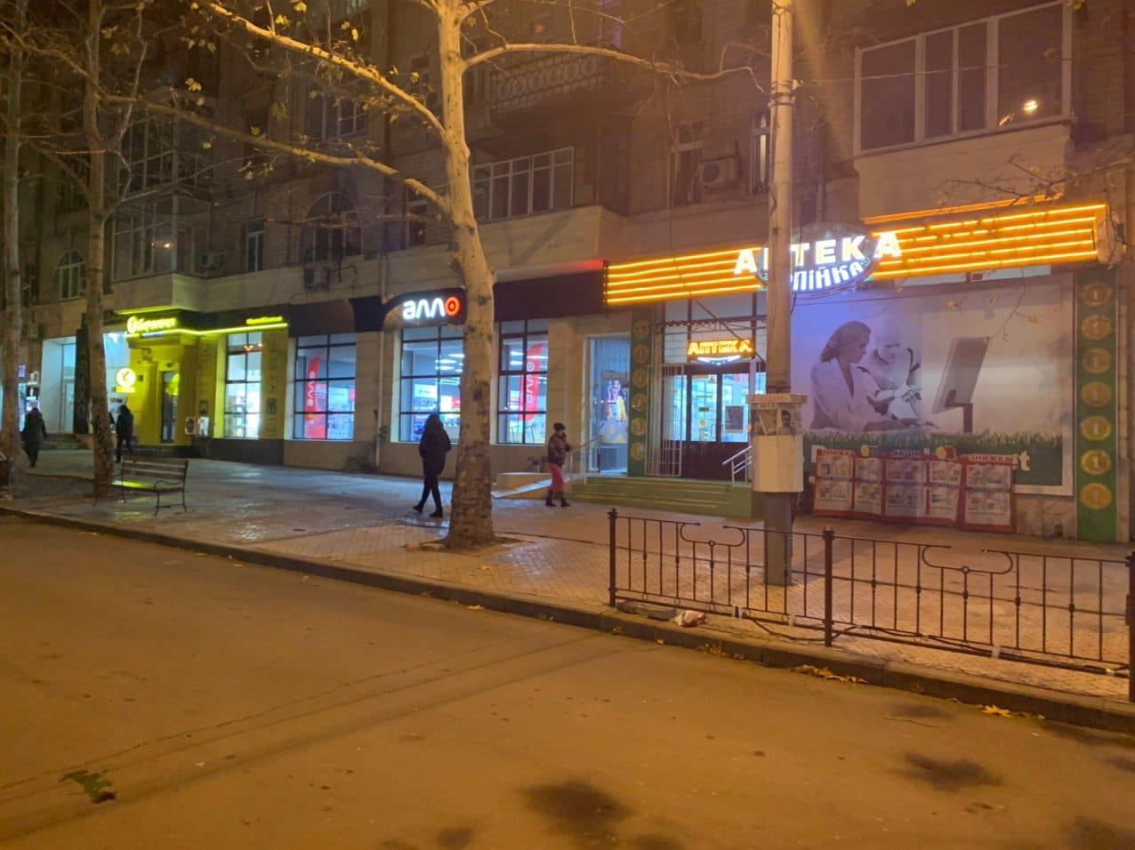 Незаконный киоск в Николаеве на Соборной уже убрали