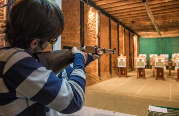 У миколаївській школі підстрелили підлітка