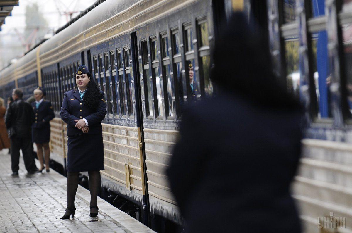 Пассажиры поезда УЗ нашли в купе тараканов и пауков