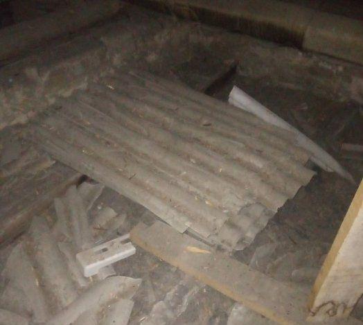 В Николаеве из-за строительного мусора на чердаке рухнул потолок в квартире