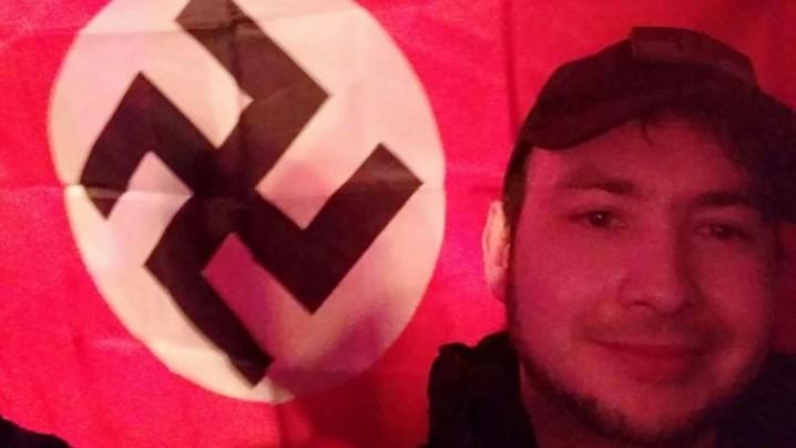 Нацист с бутылкой мочи