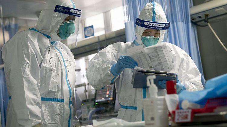Украинских ученых, которые разработали тесты по коронавирусу, отправили в отпуск за свой счет