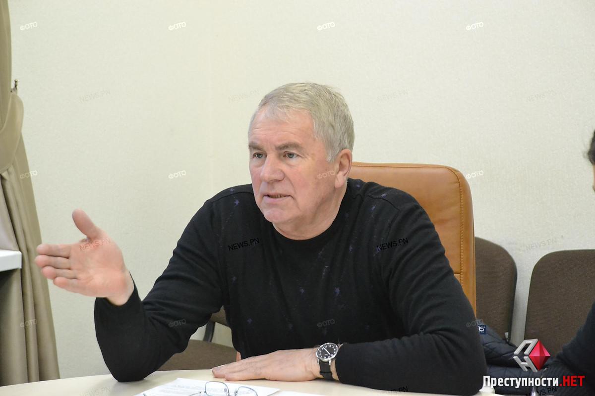 Директор «Николаевэлектротранса» выплатил себе ₴340 тысяч надбавки и купил за деньги предприятия iPhone