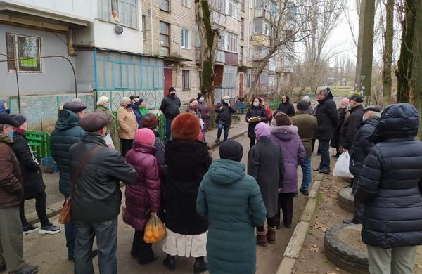 Шум, драки, обгаженные дворы: жители Корабельного района — против новых будок «на пятаке»
