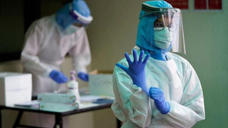 В 2020 году в Украине лишились работы более 70 тысяч медиков