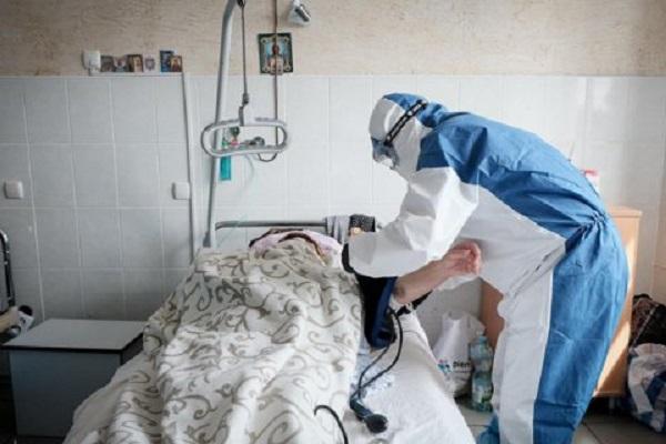 Коронавирус в Украине: 15 тысяч новых случаев и 267 смертей за сутки