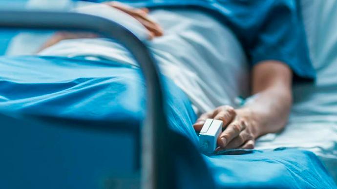 В Украине за сутки умерло максимальное с начала пандемии число пациентов с COVID-19