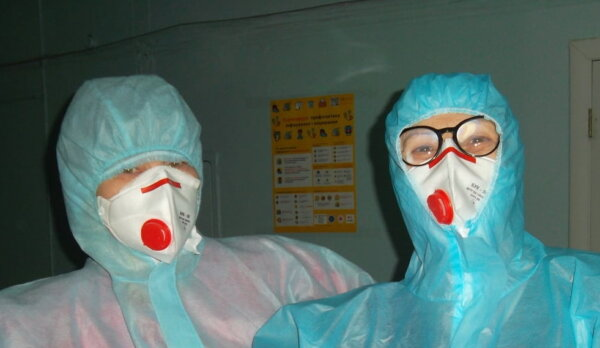 Николаевские медики, которым уменьшили надбавку за «ковидных» больных, решили протестовать