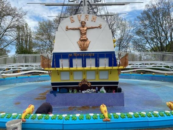 В чаше корабля в «Сказке» отклеивается плитка: капремонт завершился 5 месяцев назад