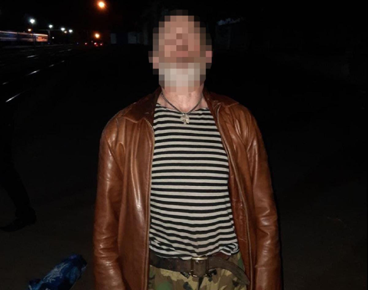 Полиция задержала пьяного дебошира, устроившего стрельбу на ж/д вокзале в Николаеве
