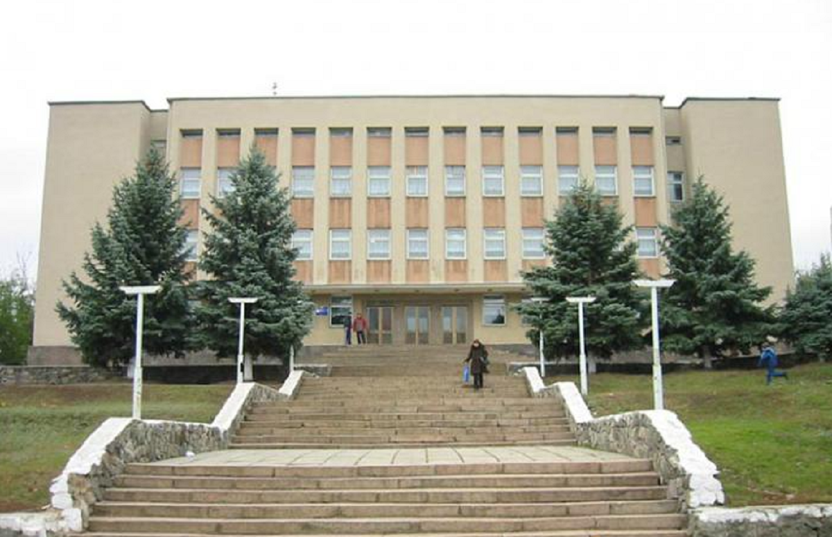 Николаеву могут отдать здание школы в Корабельном районе, которое город годами арендует