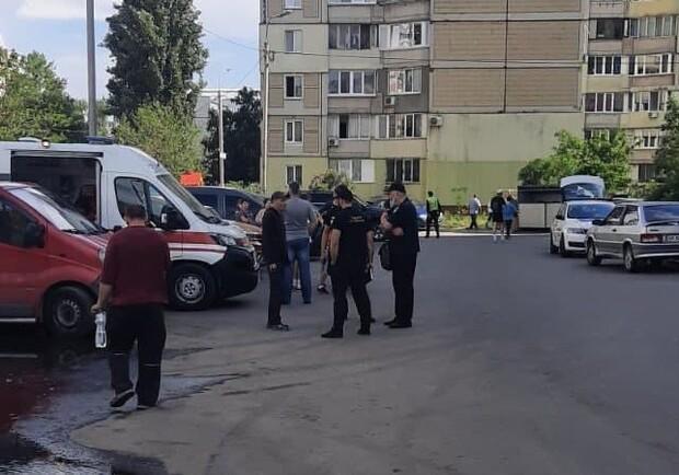 В доме на Харьковском мужчина насмерть разбился в лифте