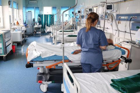 В Украине за сутки подтвердили 937 новых случаев COVID-19