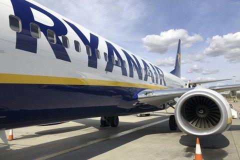 В Польше пилот Ryanair не впустил в самолет более 30 украинцев