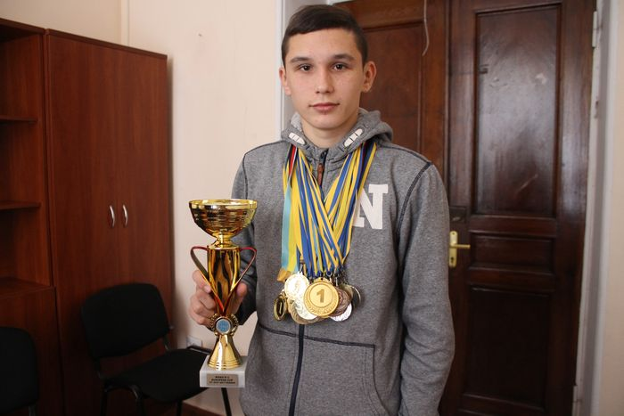 14-летний николаевский чемпион по кикбоксингу рассказал о секретах успеха