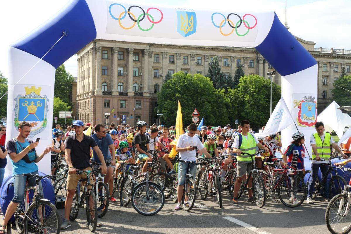 Сотни николаевцев собрались на ежегодный велофестиваль «МиКолесо»