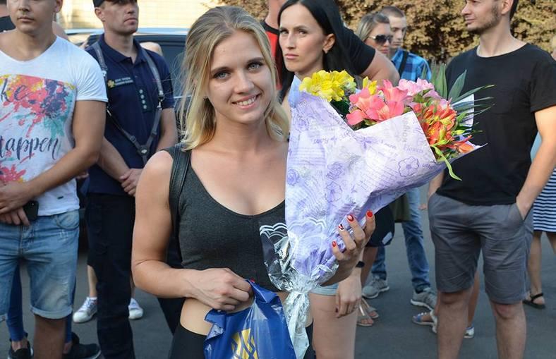 Тендітна рятувальниця із Миколаєва виборола першість у змаганнях «Ні кроку назад!»
