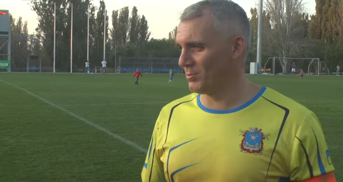 Футбольная команда Сенкевича проиграла «Легенде»