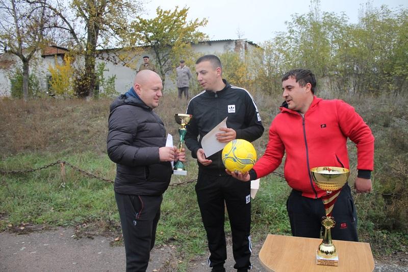 В Кривом Озере подвели итоги футбольного сезона 2020 и вручили награды лучшим футболистам